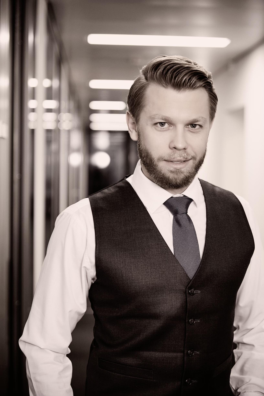 Dr. Christian Grunst